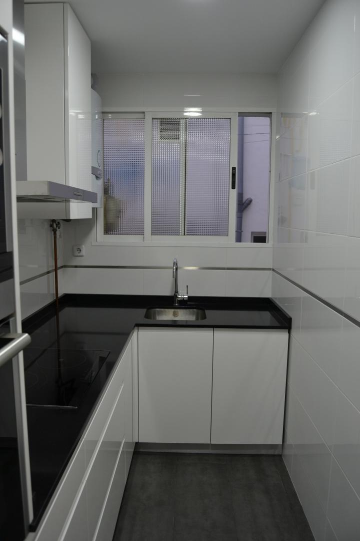 Cocina y ba o reformados en barrio chamart n - Cocinas rectangulares ...
