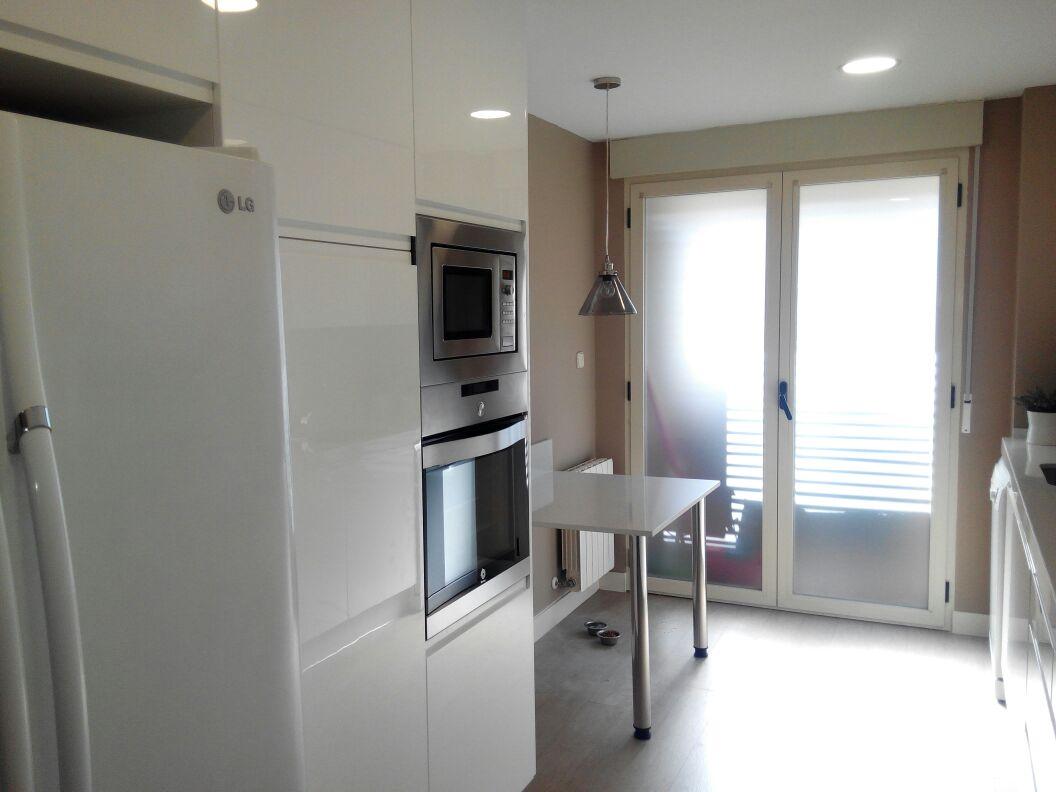 Cocina reformada sin obras as que la mejor solucin fue - Cocinas por 2000 euros ...